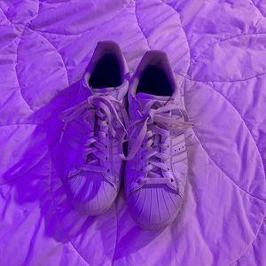 White Adidas skateboarding shoes